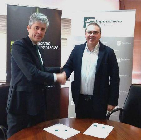 Foto convenio EspañaDuero con Cooperativas Extremadura